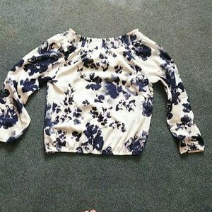 Off the shoulder's floral blouse